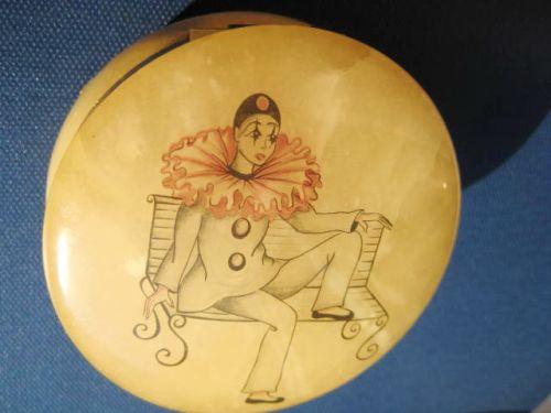 Casetuta Art deco Clovn din Alabastru cu montura metal aurit nr2.