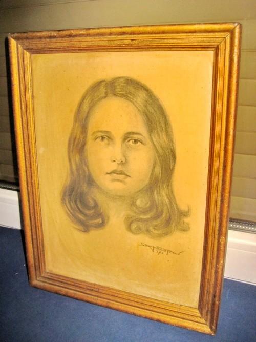 2526-Tablou vechi Portret- Frumoasa Tanara creion  semnat Serfozopan.