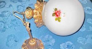 Lampadar vechi bronz sticla mata cu trandafiri. Stare foarte buna, inclusiv sticla.