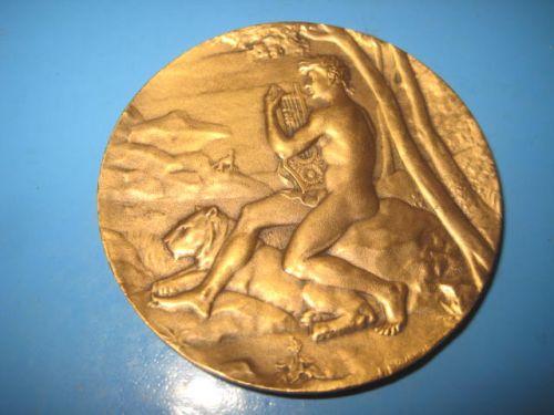Medalia Fed. Soc. Muzicale cu gura, regiunea Rhone, bronz aurit.