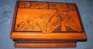Caseta turceasca design in tus malerei negru lemn. Stare buna.