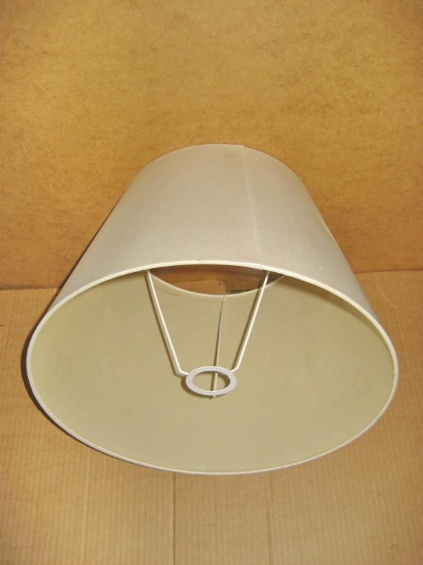 Abajur Lampadar carton plastefiat stare buna.