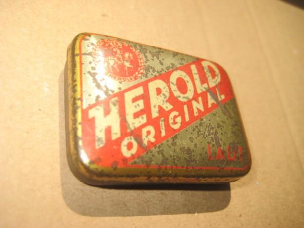 A347-I-Herold original cutie ace patefon veche metal.