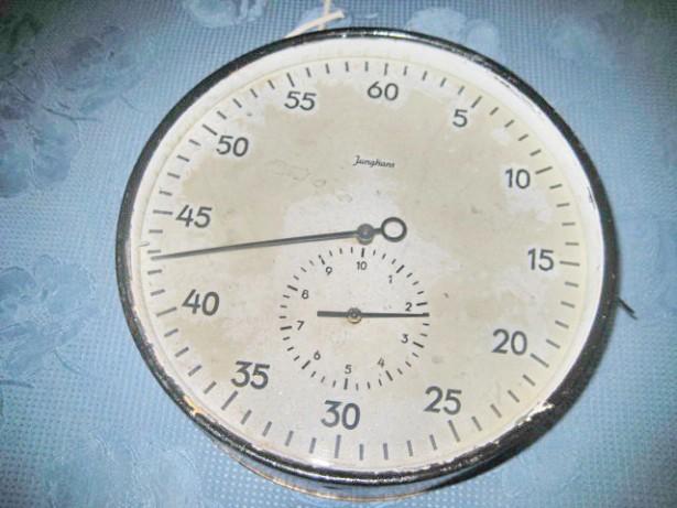 A713- Junghans Ceas Cronometru mare functional vechi pentru institutii