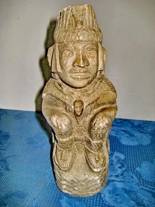 A800-Statuieta gen incas, aztech din ciment.