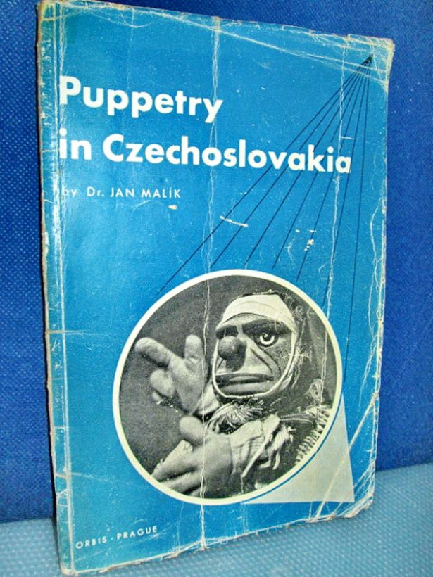 2234-Dr. J. Malik-Puppetry in CZ-1948- Papusile din Cehoslovacia.