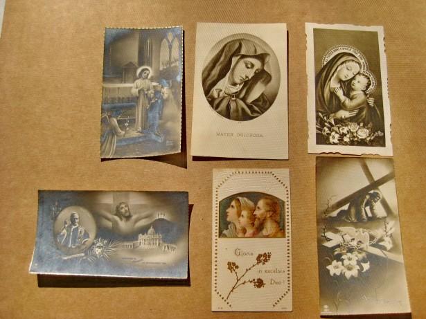 B252-6 Felicitari catolice mici vechi anii 1900 stare buna carton.