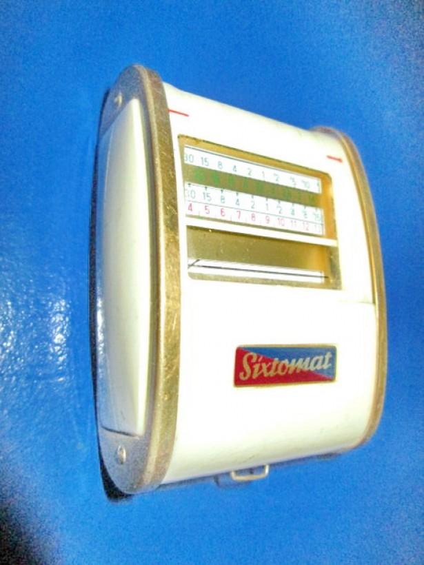 5296-Exponometru Vintage SIXTOMAT Gosser Germany cu capac rulant.