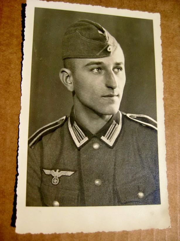 B634B-I-WW2-III Reich militari germani in uniforme. Pret pe bucata.