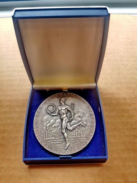 C226-I-Medalia stil EMPIRE Camera de Comert si Economii.