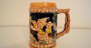 Halba de bere din portelan, provenienta Japonia, datare in jurul anilor 1950