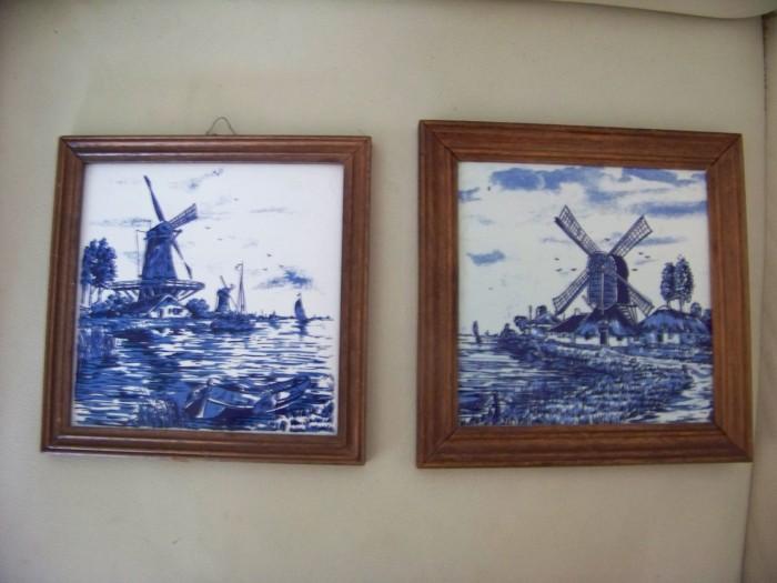2 tablouri ceramica  cu imagini olandeze