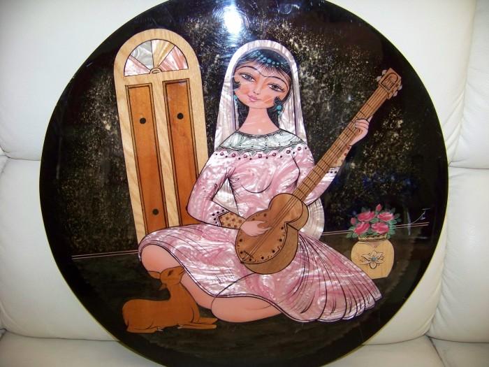 tablou pictura pe lemn lacuit,semnat 39 cm