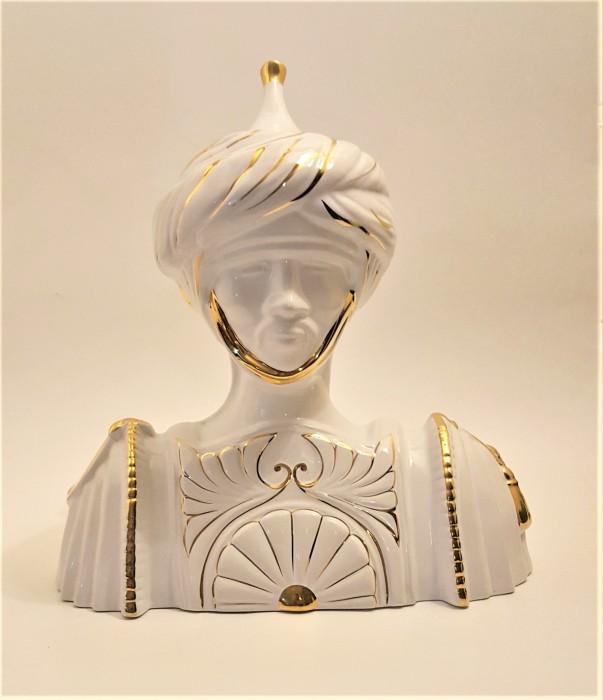 Statueta bust din portelan H 36 cm, L 35 cm