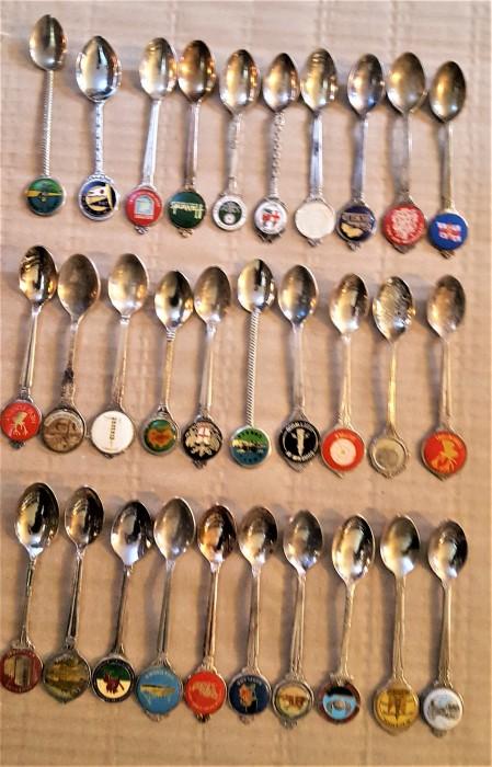 15 loturi lingurite de colectie