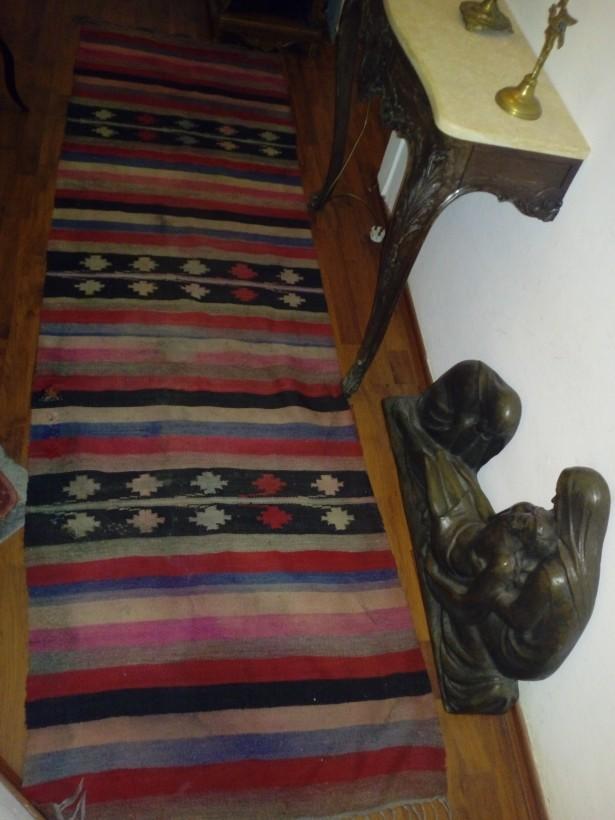 Covor handmade traditional romanesc