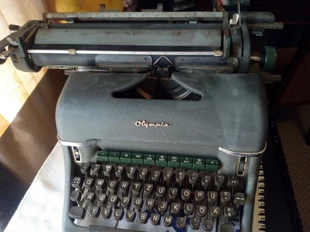 Mașina de scris nazistă, producție Werker AG Made in Gemany