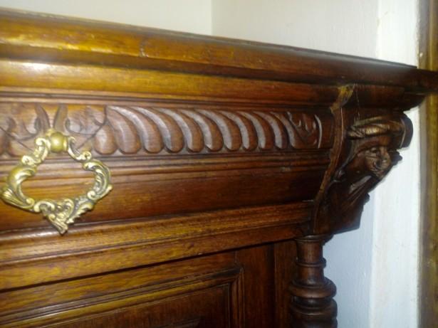 Comoda sculptata Renastere florentina sec XIX