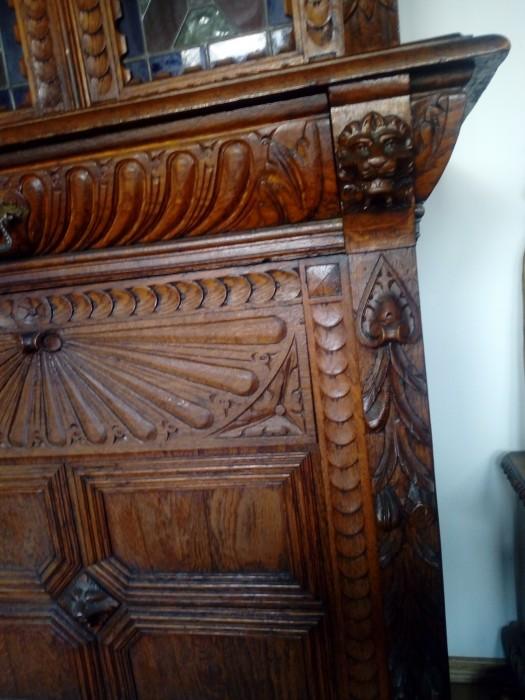 Dulap antic  Renastere  sculptat lemn cu vitralii