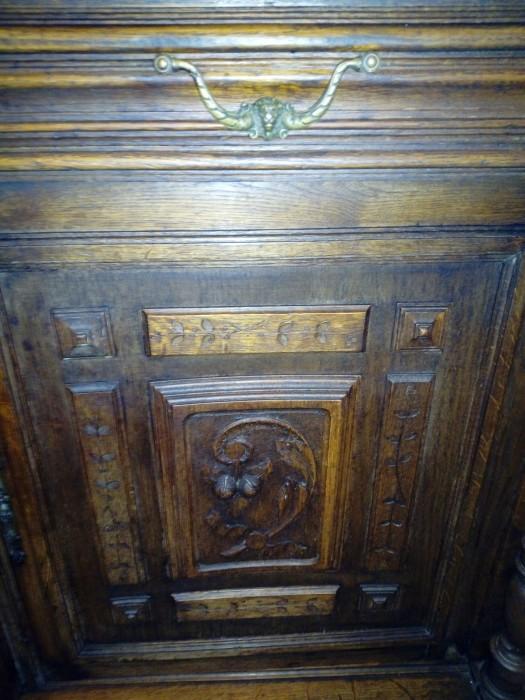 Dulap  antic Renaștere franceză sculptat lemn