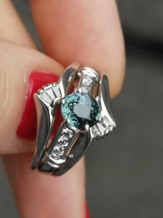 Inel vechi din aur de 14k cu safir netratat și diamante