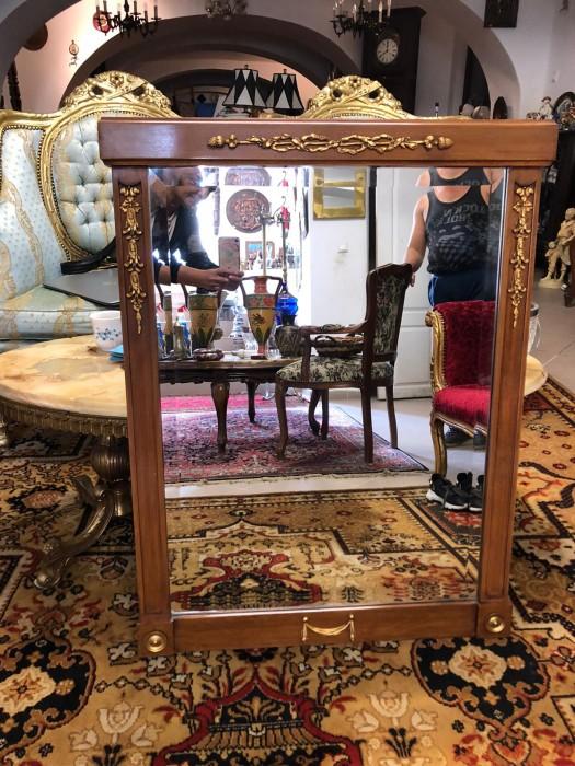 Oglinda de cristal cu rama din lemn masiv