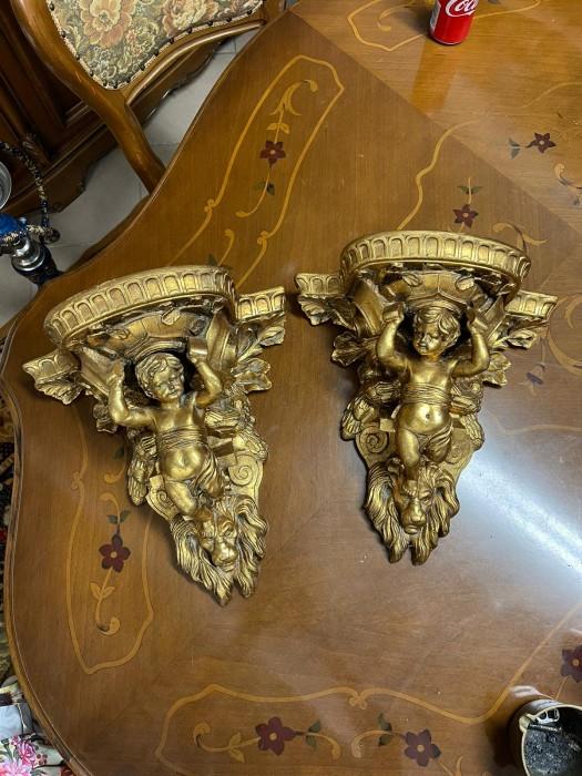 Pereche console etajere cu ingerasi și capete de lei