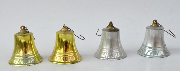 Ornamente vechi pentru bradul de Craciun - Clopotei din plastic RSR