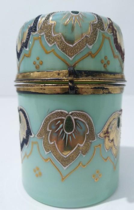 Baccarat  1870  recipient pentru sticluțe de parfum