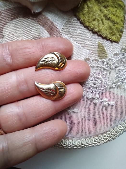 Vechi cercei de argint placati cu aur