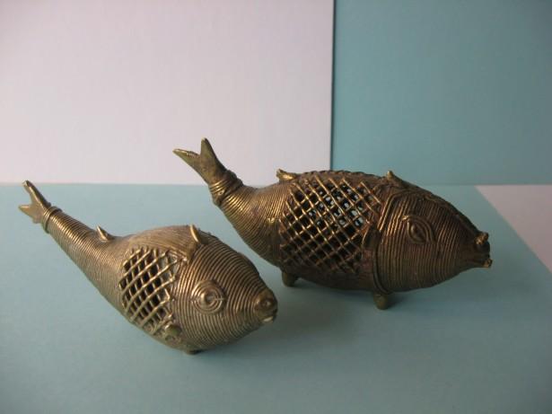 Set doi pesti decorativi, confectionati din bronz