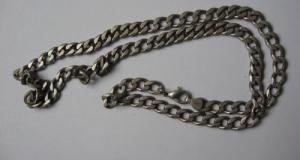 Lant barbatesc din argint masiv, marcat 925, (Italia), greutate 39 grame, lungime 60 cm.