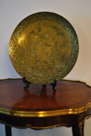 Platou din bronz cu cocori