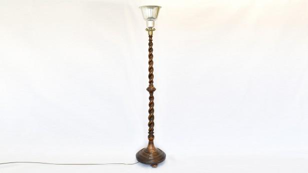 Lampadar cu picior din lemn 018228
