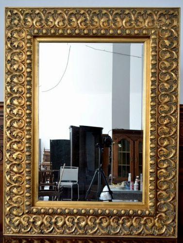 Oglinda mare din lemn si gips aurita