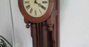 Pendula antica de dimensiuni impresionante ceas de perete cu 2 greutăți stare impecabila,bătăi la or