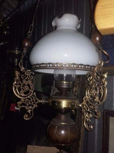 Lampadar antic opalina din bronz ,stare exceptionala
