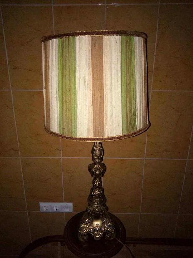 Elegant lampadar,veioza cu talpa din bronz masiv