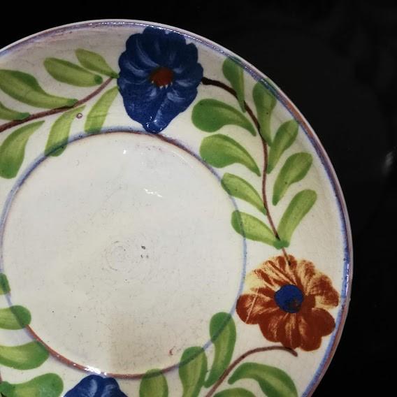 farfurie cu floare albastra