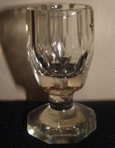 Pahare mici de cristal