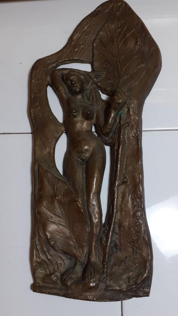 Statueta nud bronz, semnata
