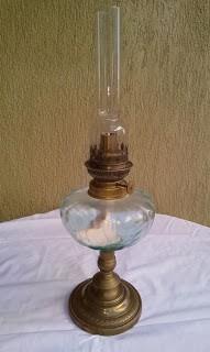 lampa pe gaz albastru deschis
