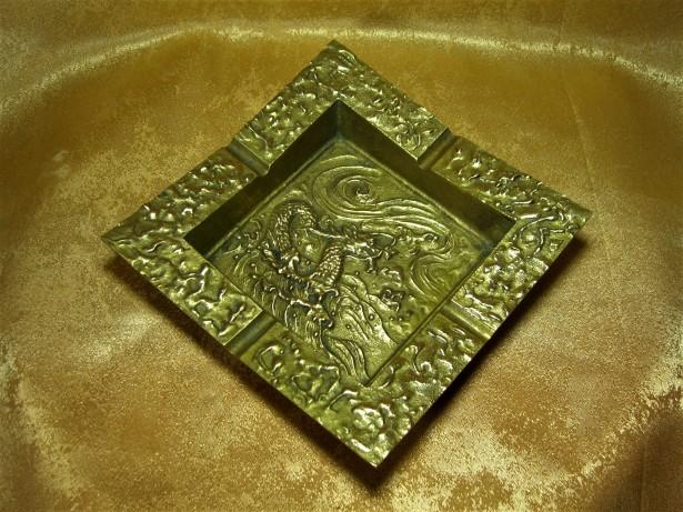 Scrumiera mare bronz, dragon, tigara, trabuc, colectie, cadou, vintage