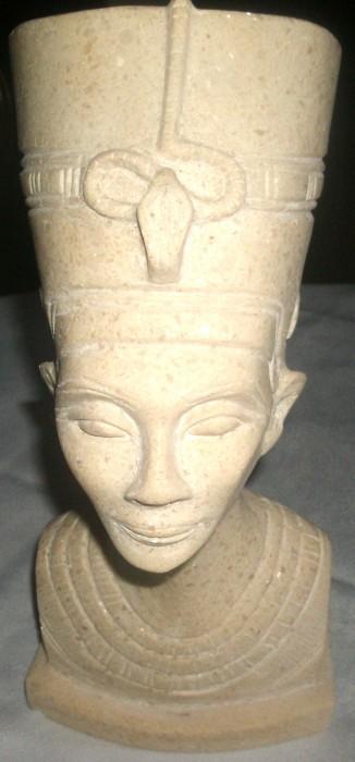 statueta  bust Nefertitti sculptura din  piatra granit