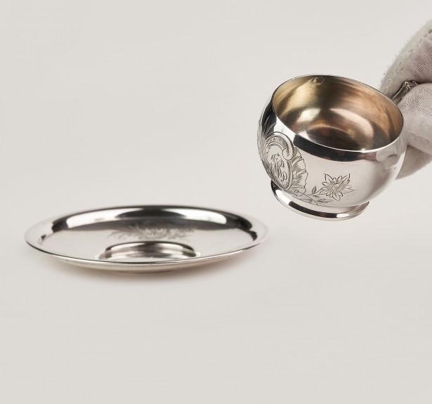 Superba ceasca cu farfurie din argint masiv 950,Franta,cu blazon