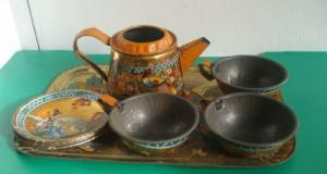 Serviciu de ceai de jucarie din tabla interbelic
