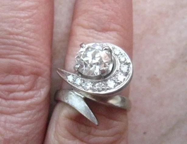 (filmare) inel aur 14k diamante si moissanite