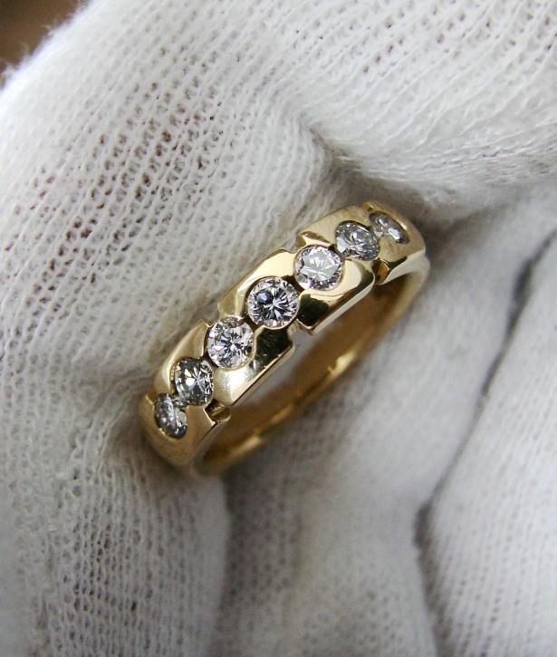 Jubilee aniversar inel aur galben 18k cu  diamante