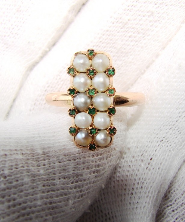 victorian inel aur 18k cu perle si smaralde