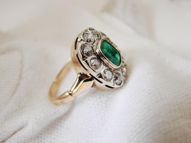 inel aur 14k cu smarald si diamante diamant unicat